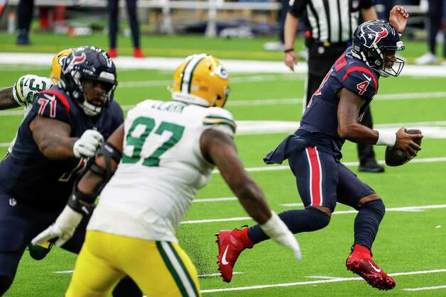 Houston Texans quarterback Deshaun Watson (4) is pressured by the Green Bay Packers defense during the second half an NFL football game at NRG Stadium on Sunday, Oct. 25, 2020, in Houston. Photo: Brett Coomer, Staff Photographer / © 2020 Houston Chronicle