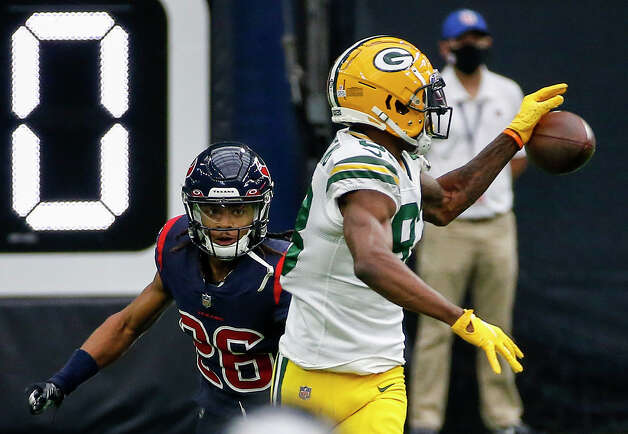 Green Bay Packers wide receiver Marquez Valdes-Scantling (83) misses a pass defended by Houston Texans cornerback Vernon Hargreaves III (26) during the first quarter of an NFL game Sunday, Oct. 25, 2020, at NRG Stadium in Houston. Photo: Jon Shapley, Staff Photographer / © 2020 Houston Chronicle