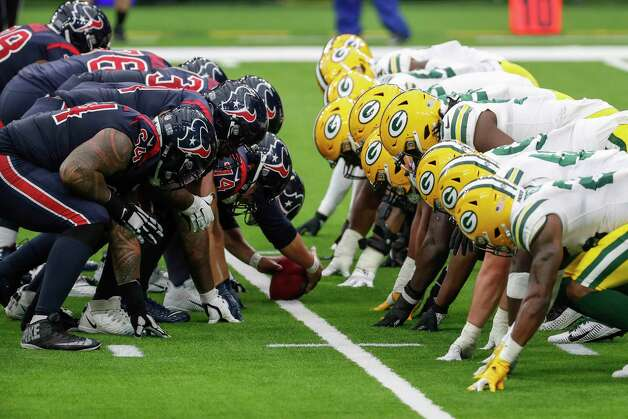 The Houston Texans and Green Bay Packers players line up for a point after touchdown kick during the second half an NFL football game at NRG Stadium on Sunday, Oct. 25, 2020, in Houston. Photo: Brett Coomer, Staff Photographer / © 2020 Houston Chronicle