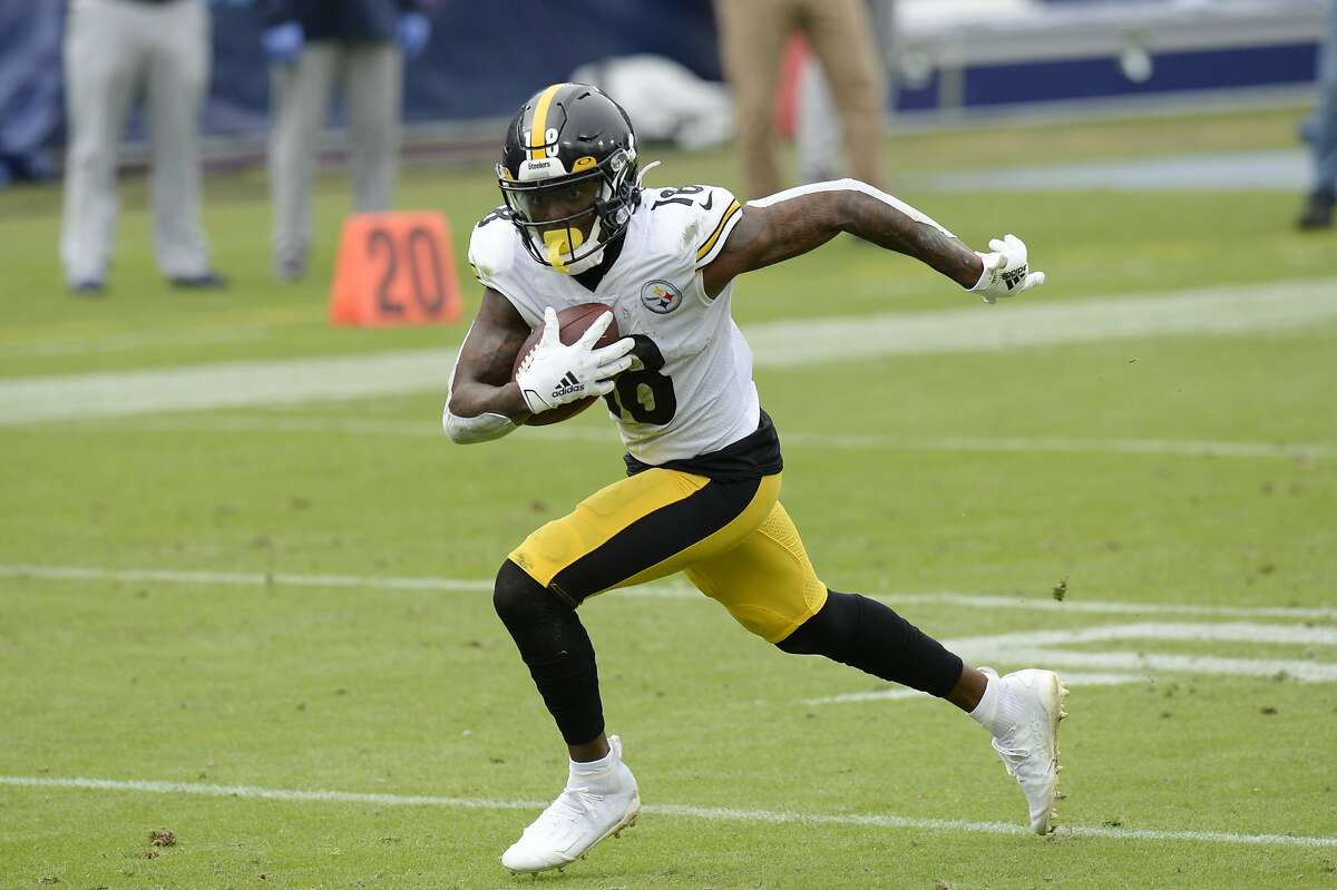 Pittsburgh wide receiver Diontae Johnson's 9-yard touchdown catch of a Ben Roethlisberger pass in the second quarter extended the Steelers' lead to 24-7 against Tennessee.