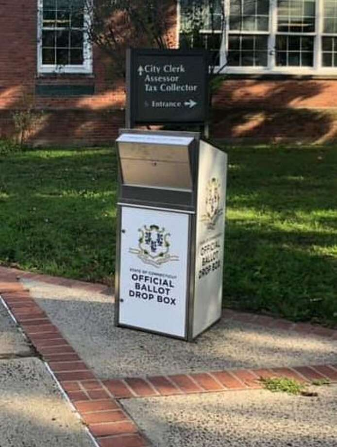 The last day to register to vote Nov. 3 is Tuesday, Oct 27. Residents can obtain an absentee ballot up until Nov. 2; town clerks advise residents to apply in person at their town hall. Photo: Karen Fortunati /