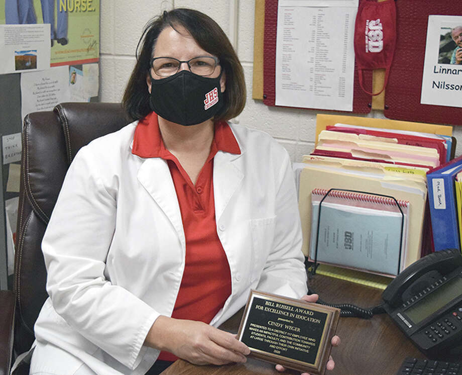 Cindy Weger, a longtime nurse for Jacksonville School District 117, has received the Bill Russell Award. Photo: Rochelle Eiselt | Journal-Courier