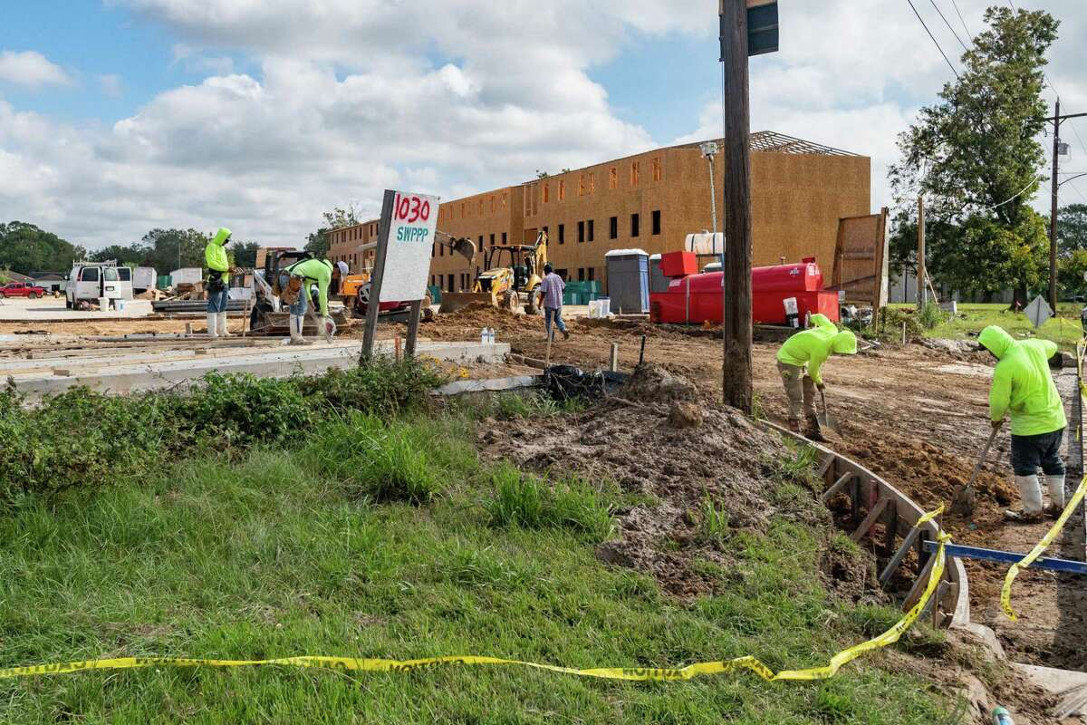 Construction crews work at The Palms at Cardinal located at 1030 Cardinal Drive. Beaumont usually sees about one apartment project per year. This year, seven are currently underway. Photo made on October 21, 2020. Fran Ruchalski/The Enterprise