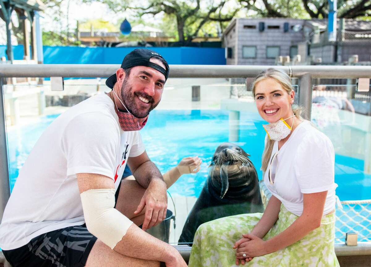 Justin Verlander and Kate Upton visit the Houston Zoo on Friday, Oct. 23, 2020.