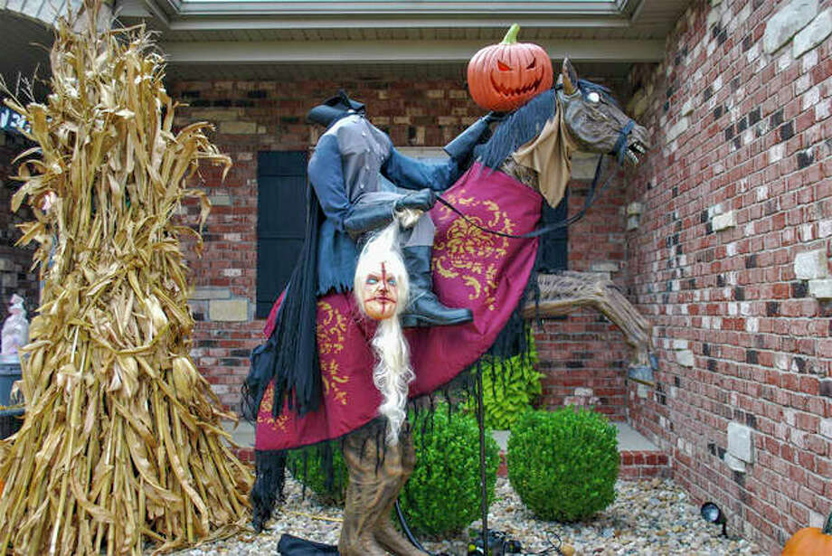Glen Carbon resident Jeff Garde is inviting the public to drive by his home at 54 Oakshire Drive West in Glen Carbon to view his Halloween decor. His theme this year is the Headless Horseman and lights turn on around 6:30 p.m. each night through Halloween. Photo: Submitted Photo