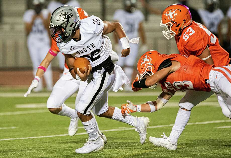 Brian Benavides and the Panthers look to get back to their winning ways after they were defeated by United last Friday. Photo: Danny Zaragoza /Laredo Morning Times