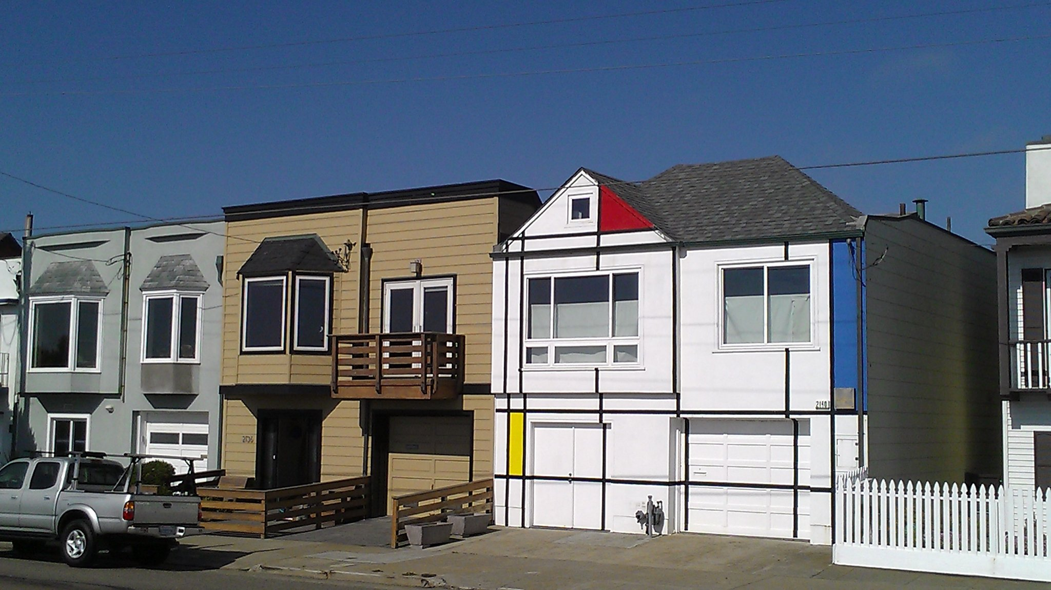 Say goodbye to another quirky S.F. landmark - the Mondrian House at Ocean Beach