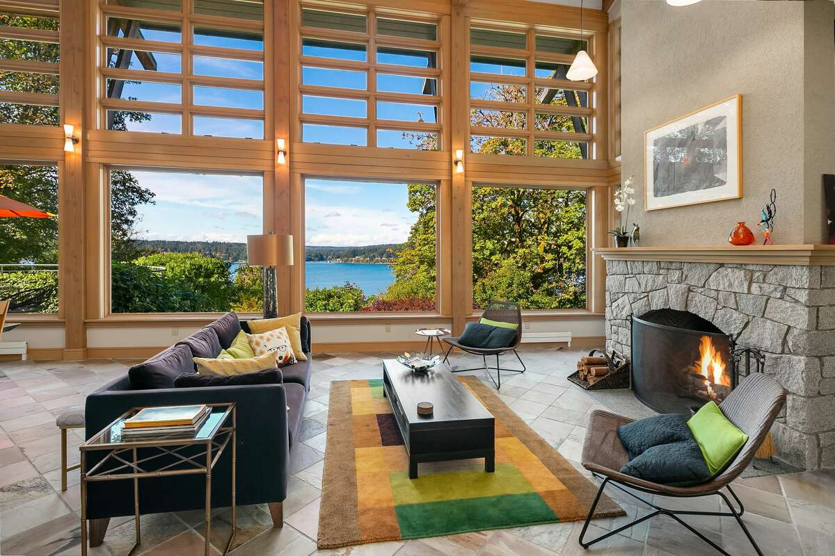 West-facing windows bring the Sound into the great room.