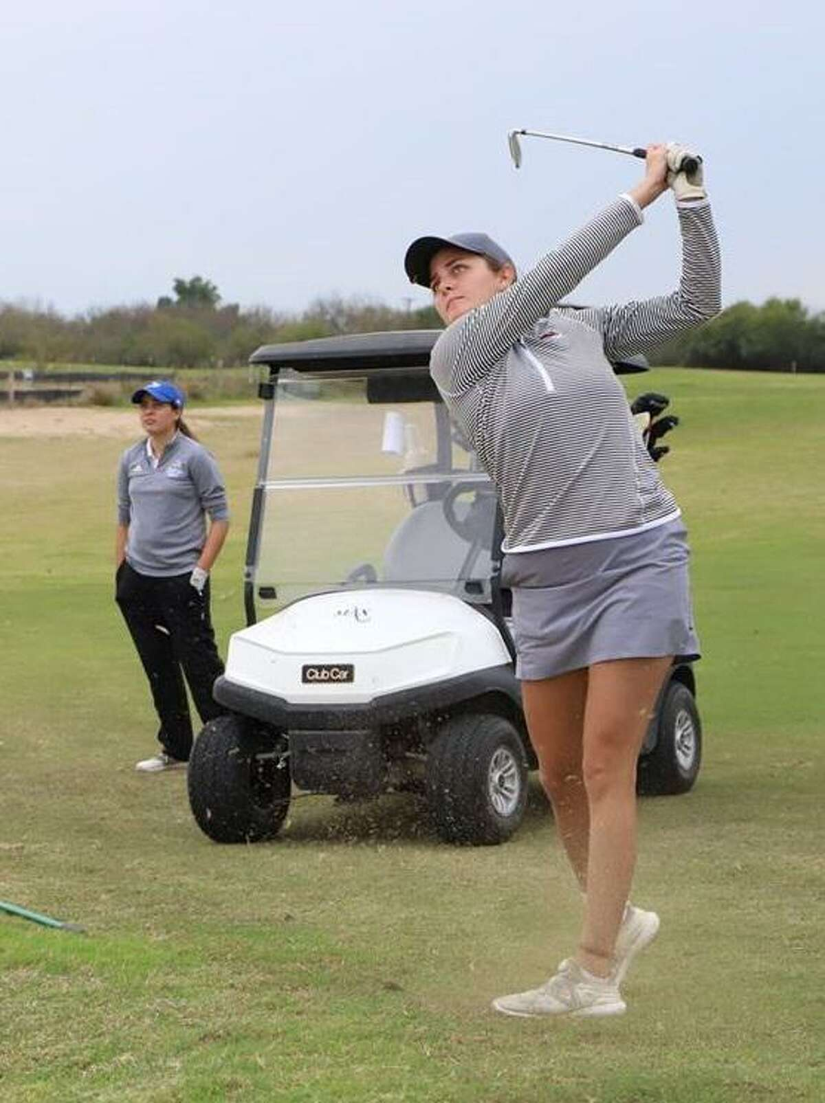 TAMIU's Yuliana Yapur shot a 78 to tie for 10th place Monday in the Lion Classic.