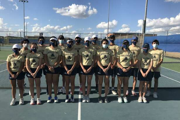 The Alexander tennis team swept 10-0 in the opening round of the playoffs against San Antonio Warren. The Bulldogs will play Edinburg North on Friday in Roma for the area championship.