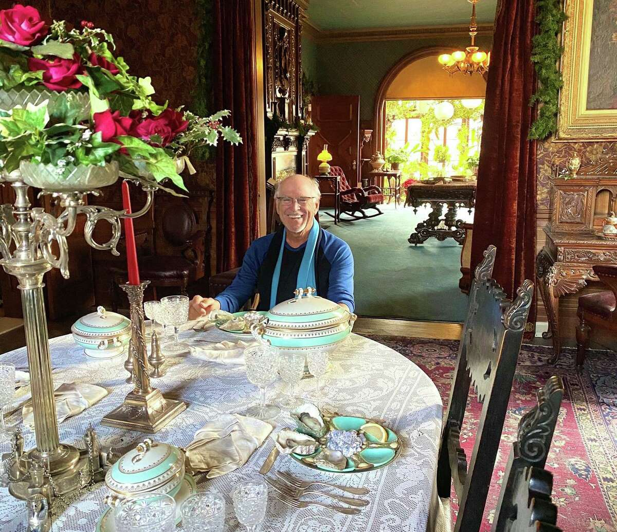 Jimmy Buffett, a devoted Twainiac, communes with his favorite author during a visit this year to The Mark Twain House & Museum in Hartford. Buffett will be one of several featured guests during the star-studded lineup for