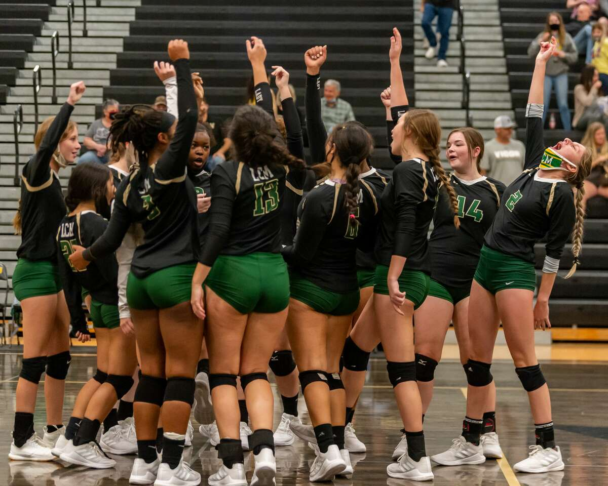 The Lady Pirates of Vidor took on the Little Cypress-Mauriceville Lady Bears in a volleyball contest to determine who will be the No. 3 seed from 22-4A district. Photo made on October 27, 2020. Fran Ruchalski/The Enterprise