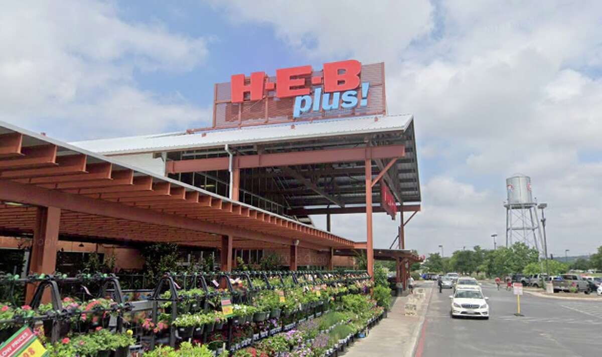 H-E-B Plus (9238 N. Loop 1604 W., Northwest Side) Total rating: 4 stars Review: