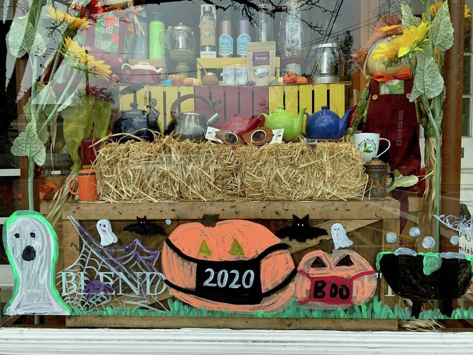 A storefront in downtown Guilford is decorated for the season. Photo: Sarah Kyrcz / For Hearst Connecticut Media