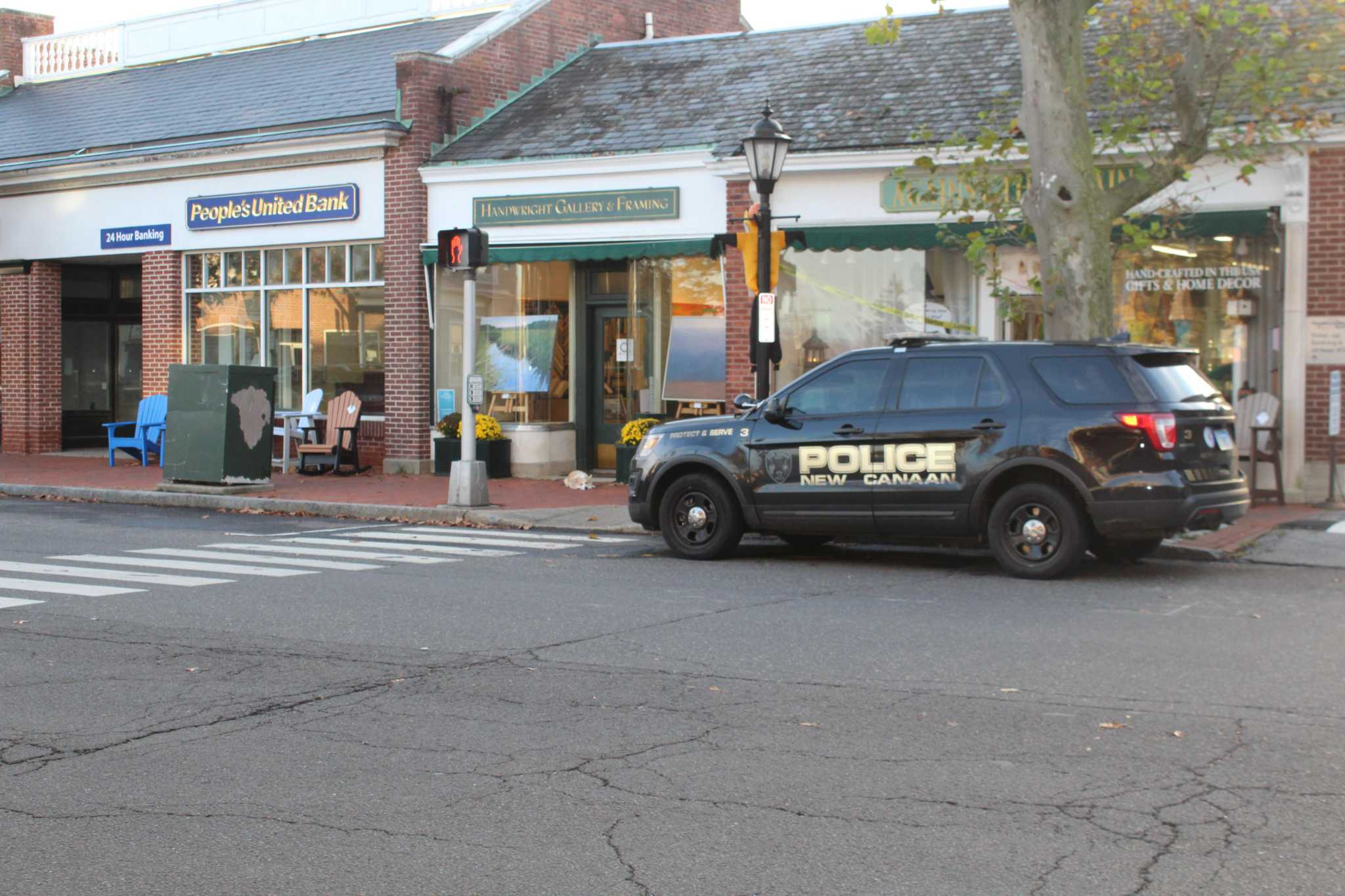 Police probe armed bank robbery in New Canaan