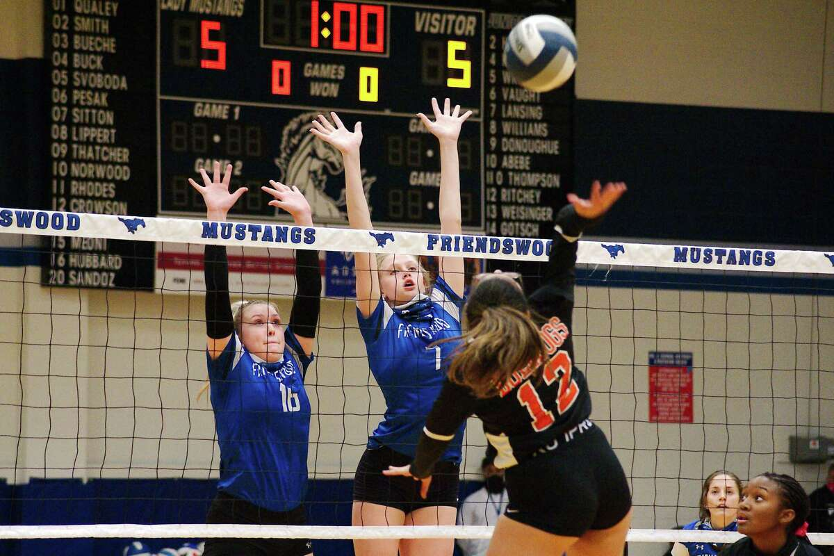 Friendswood's Megan Hubbard (16) and Sarah Sitton (7) have been instrumental in the Lady Mustangs' success thus far.