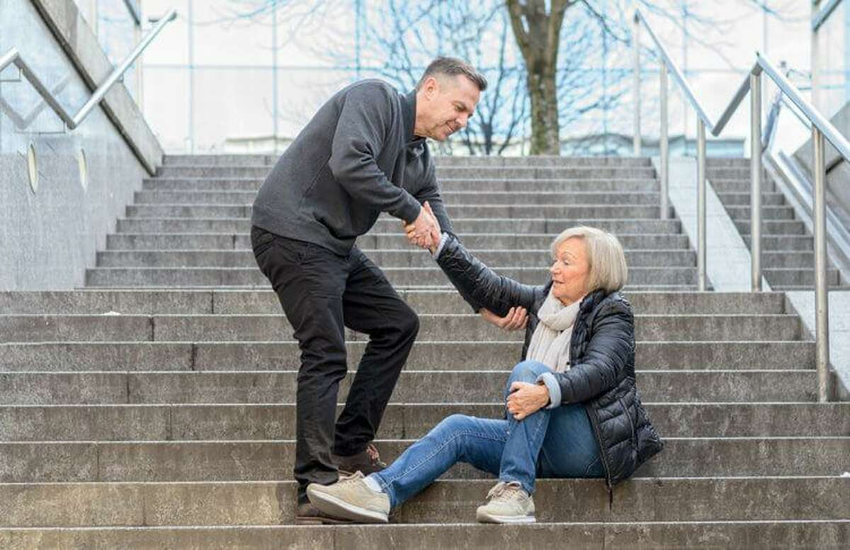 RVNAhealth's rehabilitation team offers evaluations and a variety of therapy techniques aimed to reduce the risk of falls. The Otago fall prevention program focuses on improving balance and strength, and Vestibular therapy aims to improve balance issues caused by dizziness.