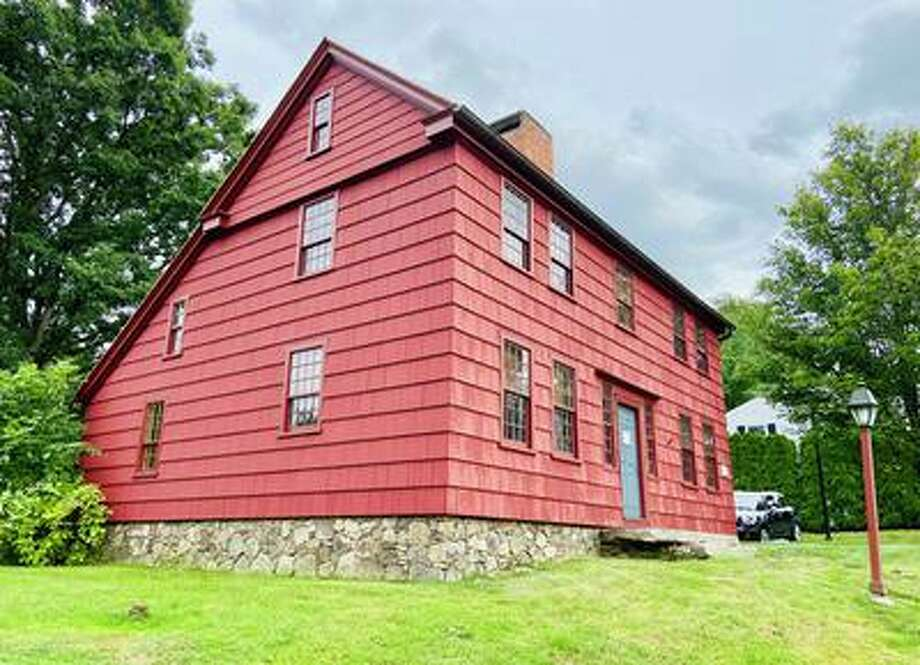 Scott House, at 4 Sunset Lane, is the headquarters of the Ridgefield Historical Society. Photo: Tracy Seem