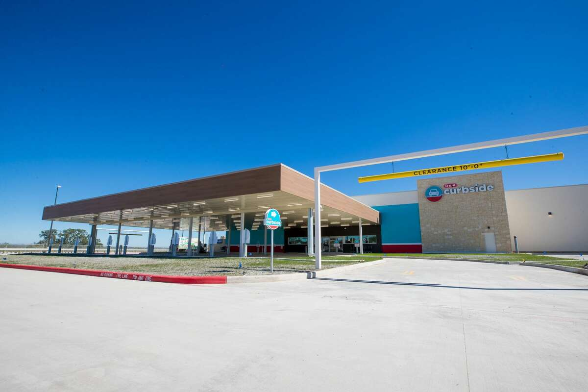 On Thursday, H-E-B announced it will open its newest store on the far West Side on Friday.