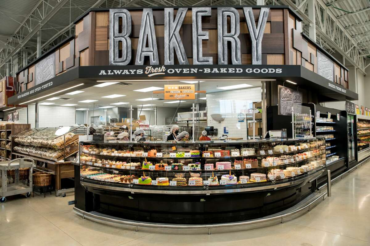 Grocery stores open on Thanksgiving: This is probably for everyone that started cooking and realized they forgot the one ingredient they needed.