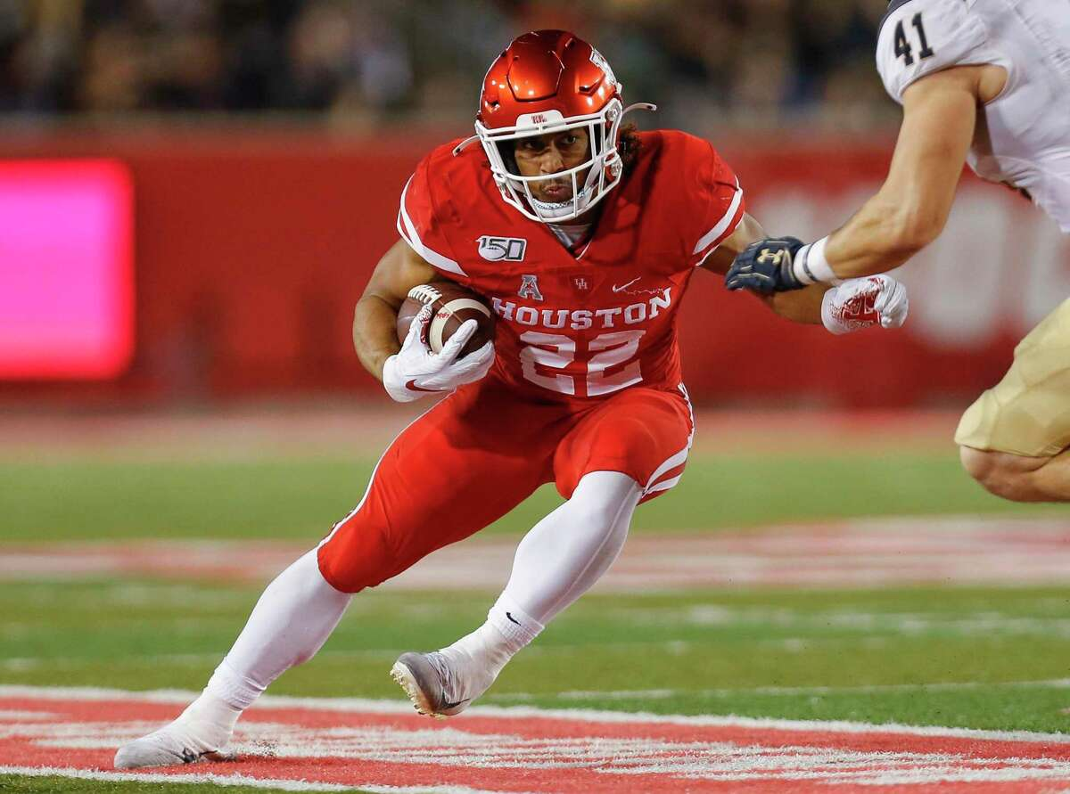 As a junior and first-year Cougar in 2019, Kyle Porter led UH in rushing with 615 yards in 11 games.