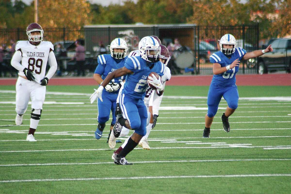 Clear Springs' Ky Woods (21) sprints into the end zone against Clear Creek Thursday, Oct. 29 at Challenger Columbia Stadium.