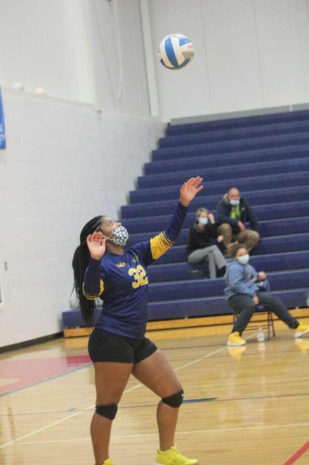 Crossroads girls volleyball team held back Baldwin in three sets on Thursday. Photo: John Raffel