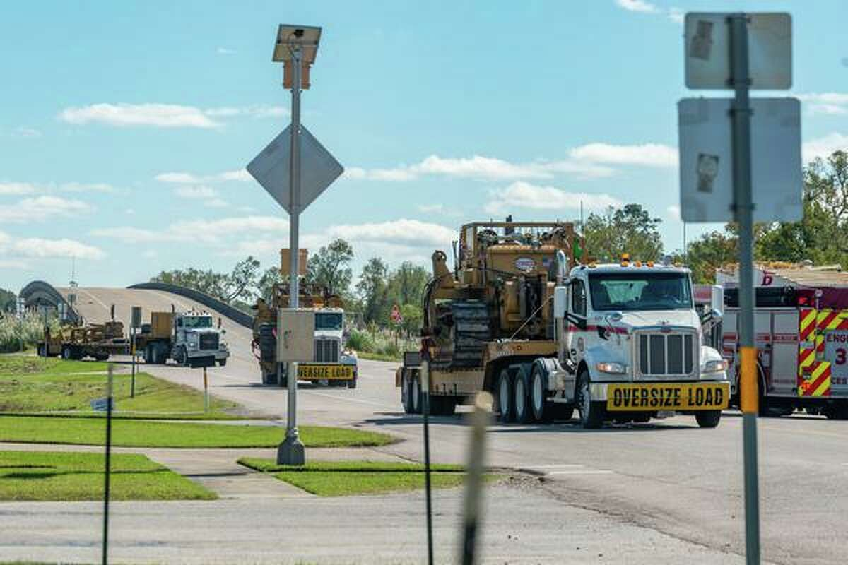 Heavy duty equipment was brought in to clear the trains from the tracks. A train derailed near Highway 62 and FM1130 in Mauriceville Thursday morning. Photo made on October 29, 2020. Fran Ruchalski/The Enterprise
