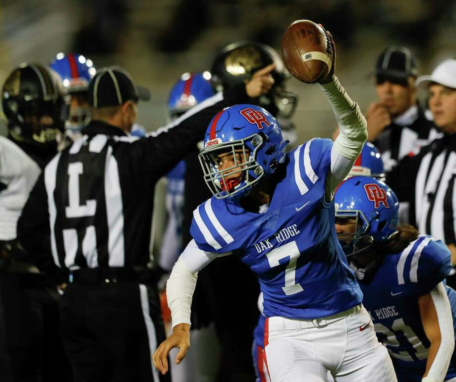 Oak Ridge quarterback Sammy Keith (7) reacts after recovering a fumble by Conroe running back Conroe Zayden Kimple during the second quarter of a District 13-6A high school football game at Woodforest Bank Stadium, Thursday, Oct. 29, 2020, in Shenandoah. Photo: Jason Fochtman, Houston Chronicle / Staff Photographer / 2020 © Houston Chronicle