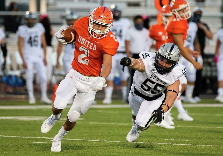 Eric Heard and the Longhorns travel to Eagle Pass Friday for a 7 p.m. matchup. Photo: Danny Zaragoza /Laredo Morning Times