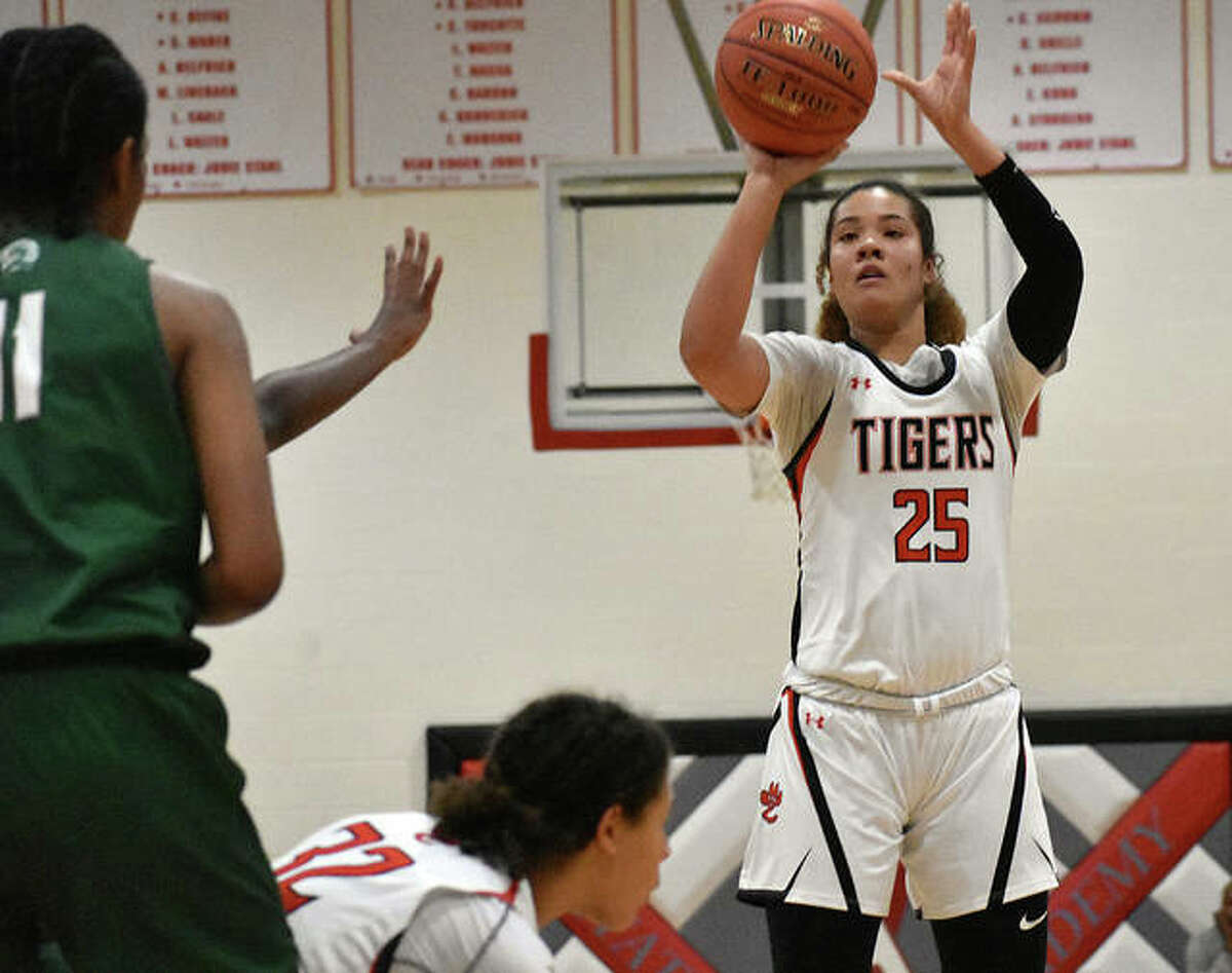 Edwardsville junior Sydney Harris puts up a shot last season during a game at the Visitation Christmas Tournament in St. Louis.