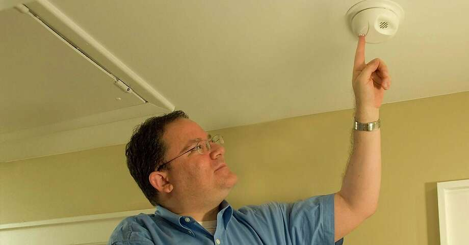 TheFederal Emergency Management Agency recommends following the manufacturer's instructions for testingsmoke alarms to ensurethey arefunctioning appropriately.(Federal Emergency Management Agency photo)