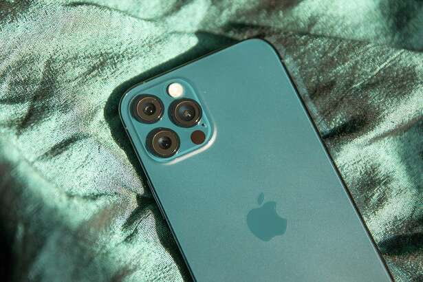 The lidar scanner on Apple's new iPhone 12 Pro and 12 Pro Max enables new AR features -- and the ability for people who are blind or low vision to detect others around them.