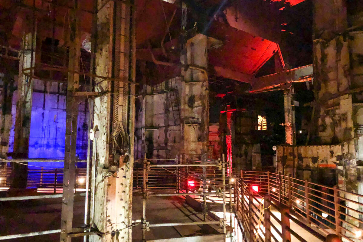 There are many legends of accidental deaths in the mechanical rooms at the bottom of the Queen Mary