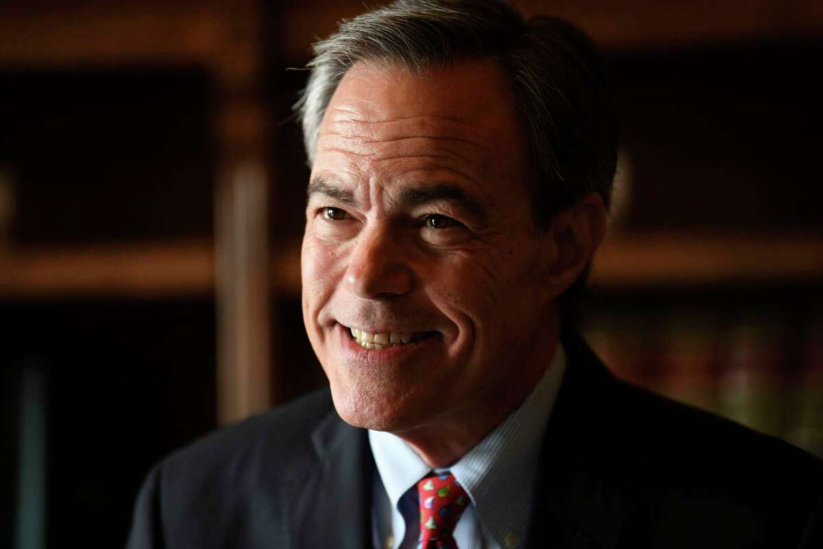 Former Texas House Speaker Joe Straus, an Alamo Heights Republican, on Friday came out in support of a state bill to protect the rights of LGBTQ individuals at work and in public spaces.