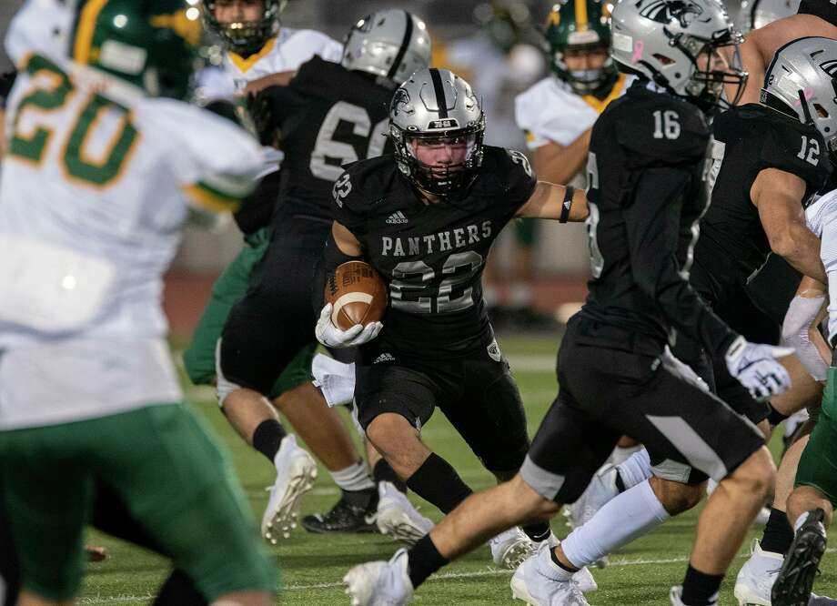 United South running back Brian Benavides rushed for 248 yards and three touchdowns in the Panthers' win over Nixon Friday. Photo: Danny Zaragoza /Laredo Morning Times