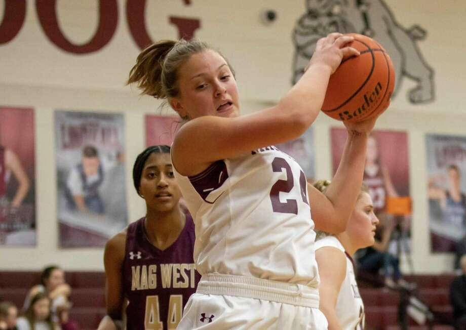 Magnolia guard Claire McCusker is one of the top returning players this season. Photo: Gustavo Huerta, Houston Chronicle / Staff Photographer / Houston Chronicle