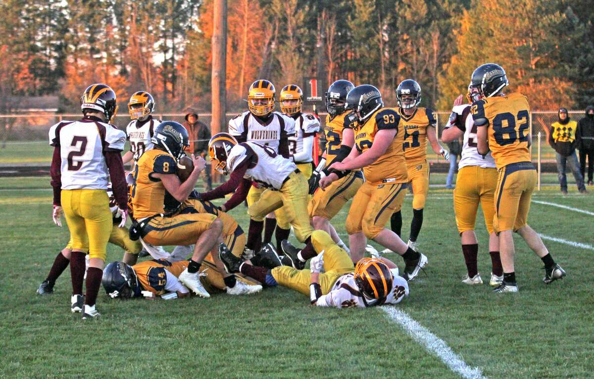 The North Huron Warriors rolled over the Au Gres-Sims Wolverines on Saturday, 66-18, to open the MHSAA playoffs.