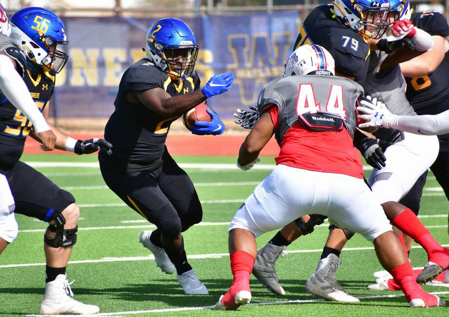 The Wayland Baptist football team held off Oklahoma Panhandle State 29-24 in a non-conference football game on Saturday, Oct. 31, 2020 in Greg Sherwood Memorial Bulldog Stadium. Photo: Nathan Giese/Planview Herald