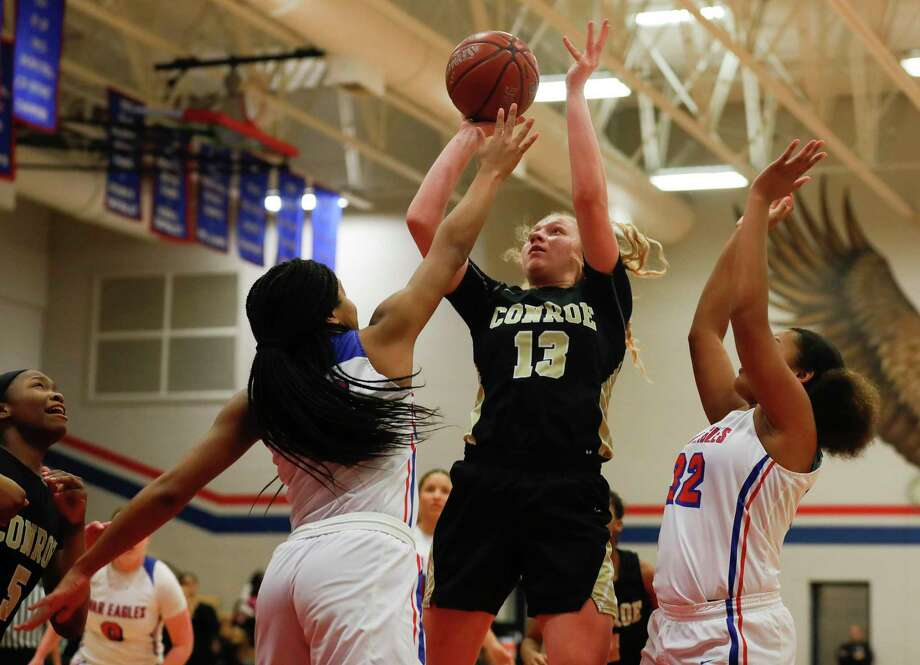 Conroe forward Sarah Sowell (13) is one of the returners for the Lady Tigers in 2020-21. Photo: Jason Fochtman, Houston Chronicle / Staff Photographer / Houston Chronicle © 2020