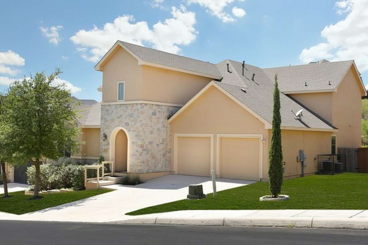 The median price for a house in Crownridge is approximately $387,000.