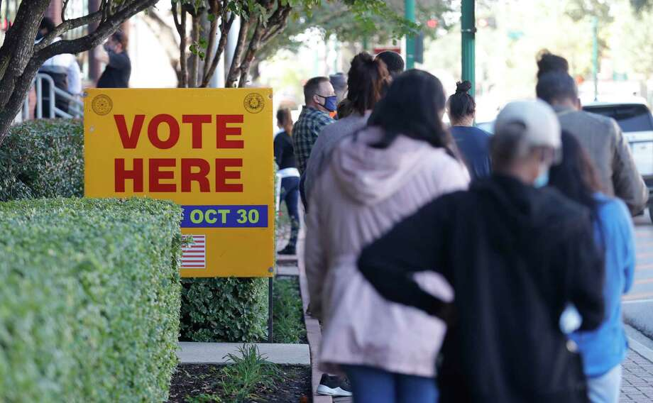 With a record number of residents casting early ballots, election officials say they are expecting the excitement to continue Tuesday as Montgomery County's 100 polling locations open the doors for Election Day. Photo: Jason Fochtman, Houston Chronicle / Staff Photographer / 2020 © Houston Chronicle