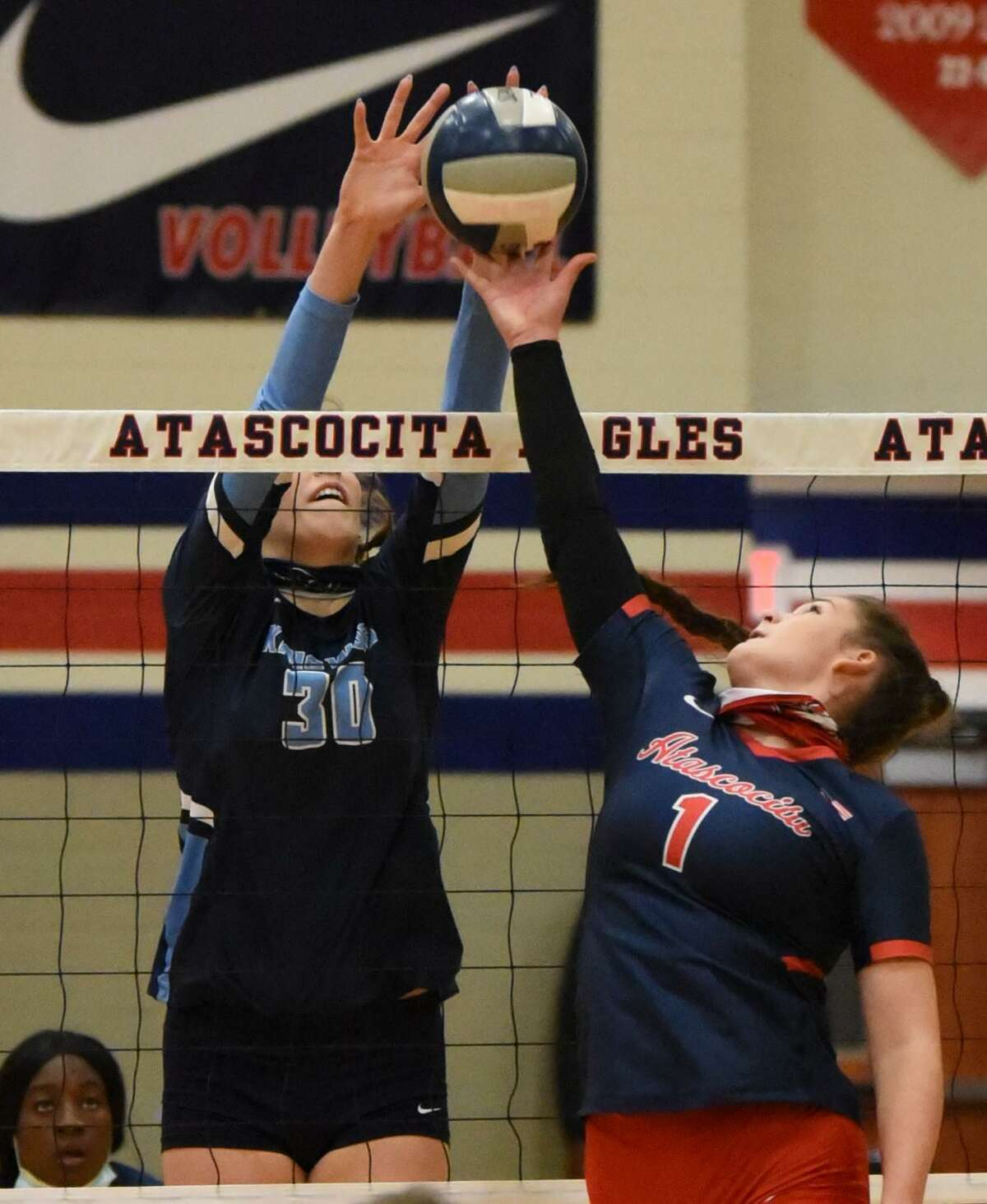Kingwood's outside hitter/middle blocker Megan Wilson has committed to play volleyball at Oklahoma.