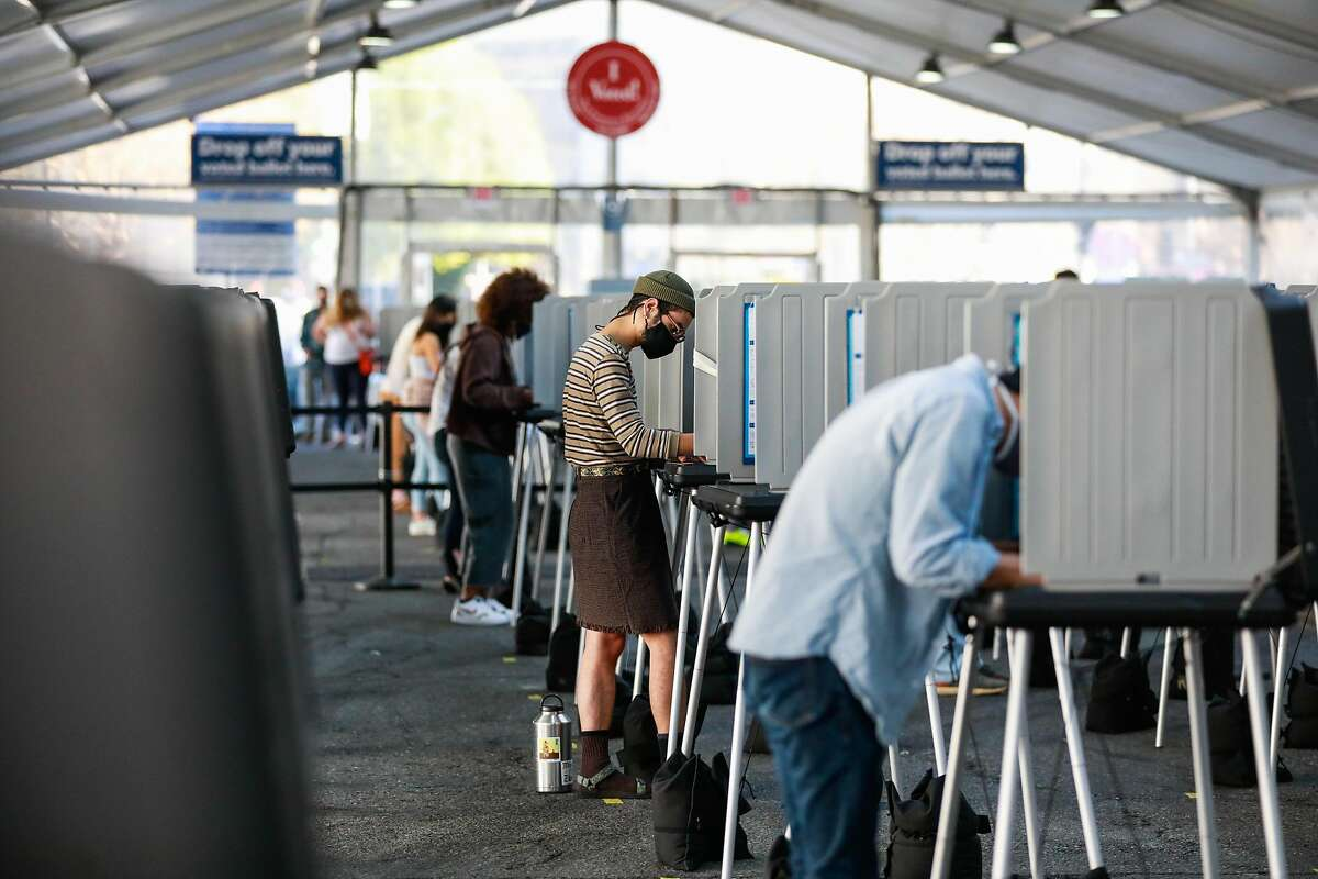 Early voters Nov. 2 at the S.F. Civic Center. Gov. Gavin Newsom, elected in 2018, faces a recall this year.