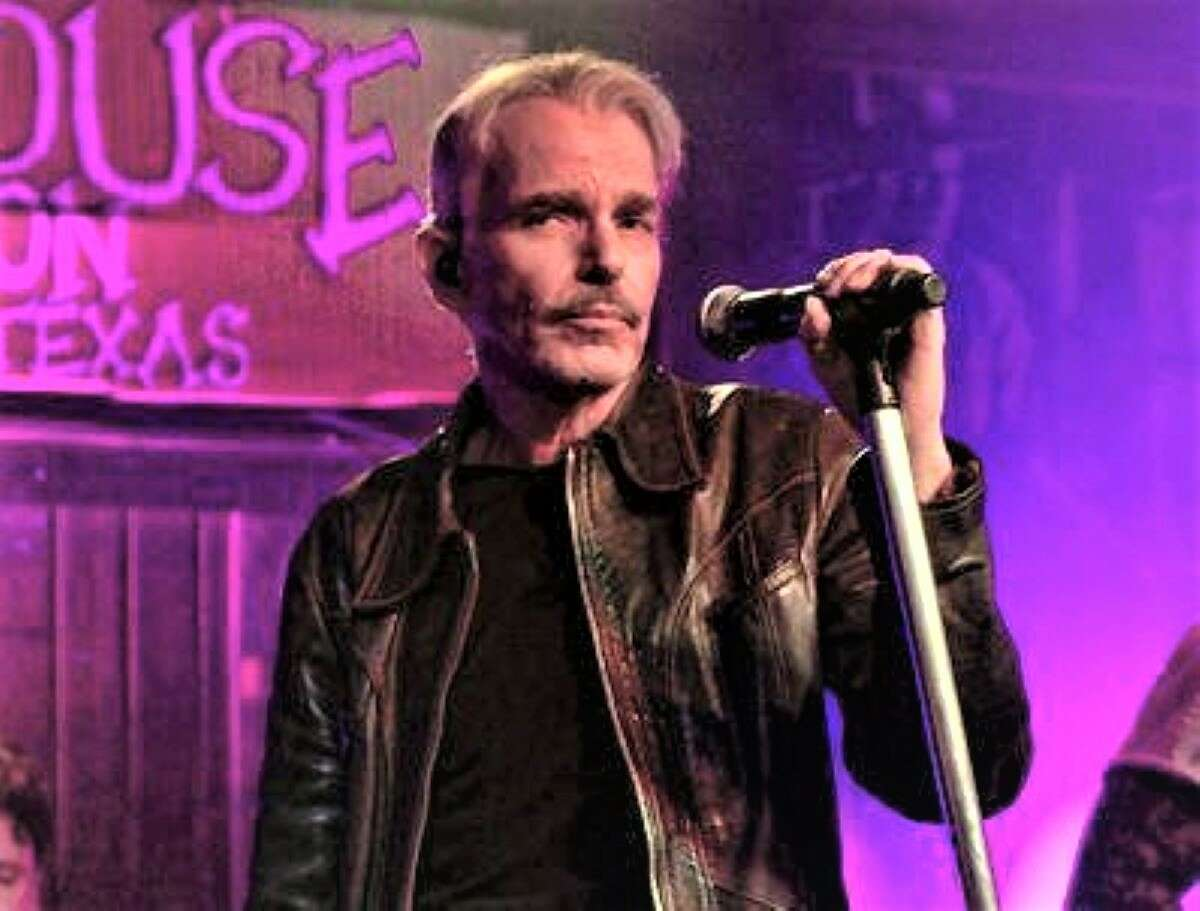 Artists who have taken to the stage include Billy Bob Thornton.