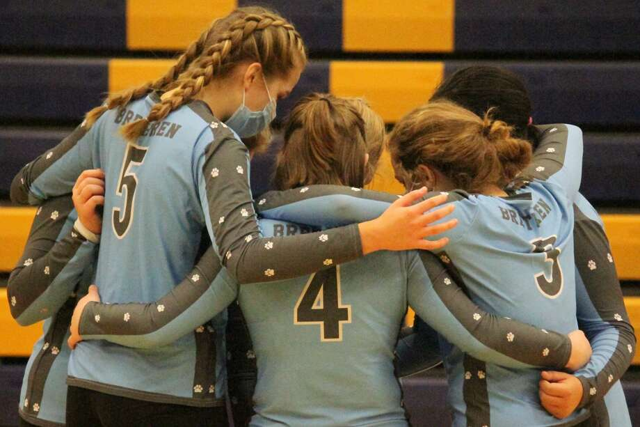The Brethren Bobcats rally from two sets down to defeat Mason County Eastern on Nov. 2. Photo: Robert Myers