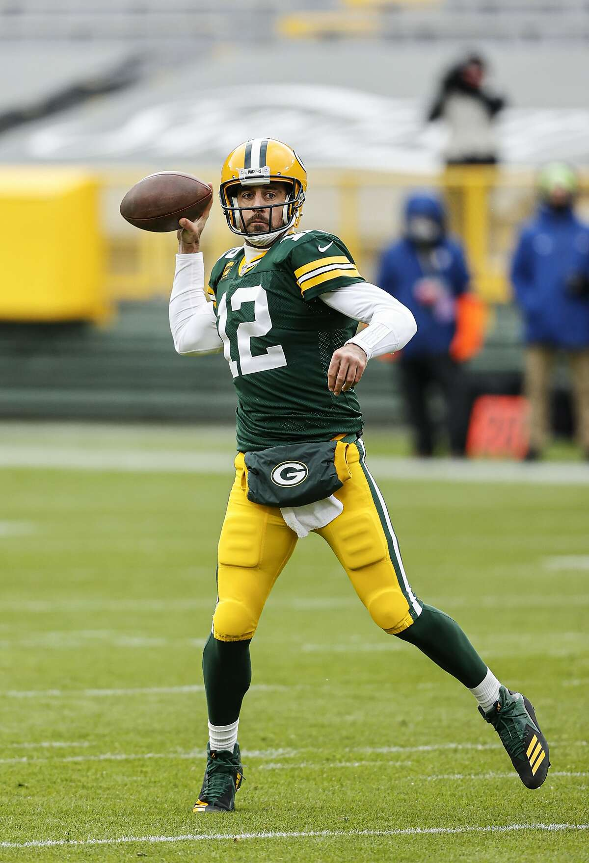 Cal alum Aaron Rodgers leads the Packers against the 49ers at Levi's Stadium at 5:20 p.m. Thursday (Channels 2, 40, NFL Network/104.5, 680, 107.7).