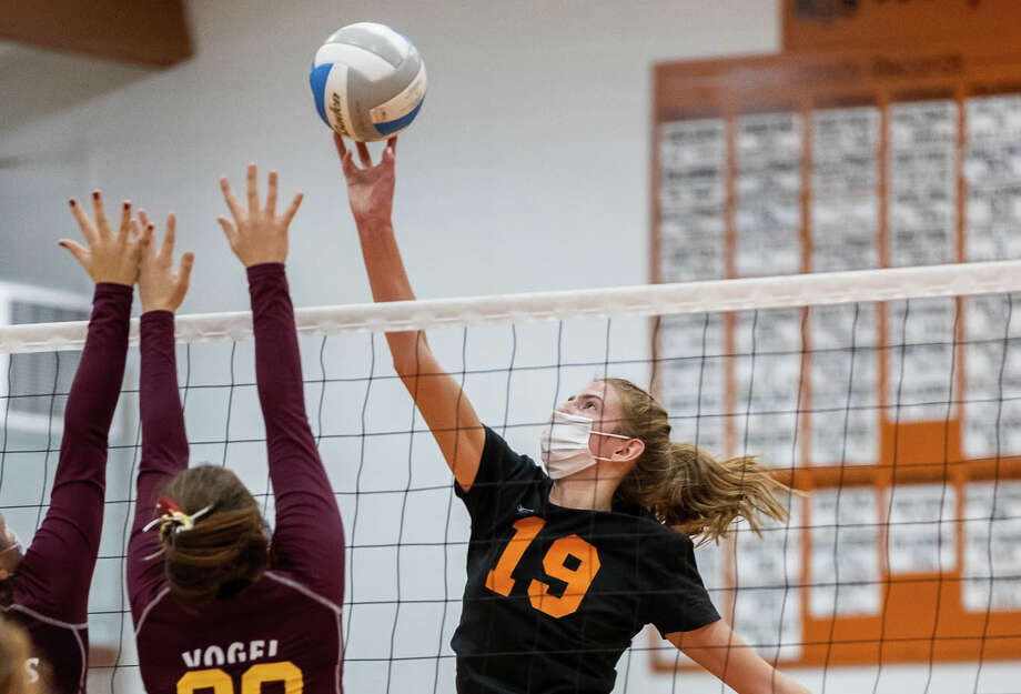 The Ubly varsity volleyball team beat Deckerville in the district semi-finals on Wednesday night, earning a trip to the district title game on Thursday. The Bearcats won in straight sets, 25-13, 25-12, 25-11. Photo: QUAD N PRODUCTIONS, Quad N Productions/For The Tribune  / Quad N Productions