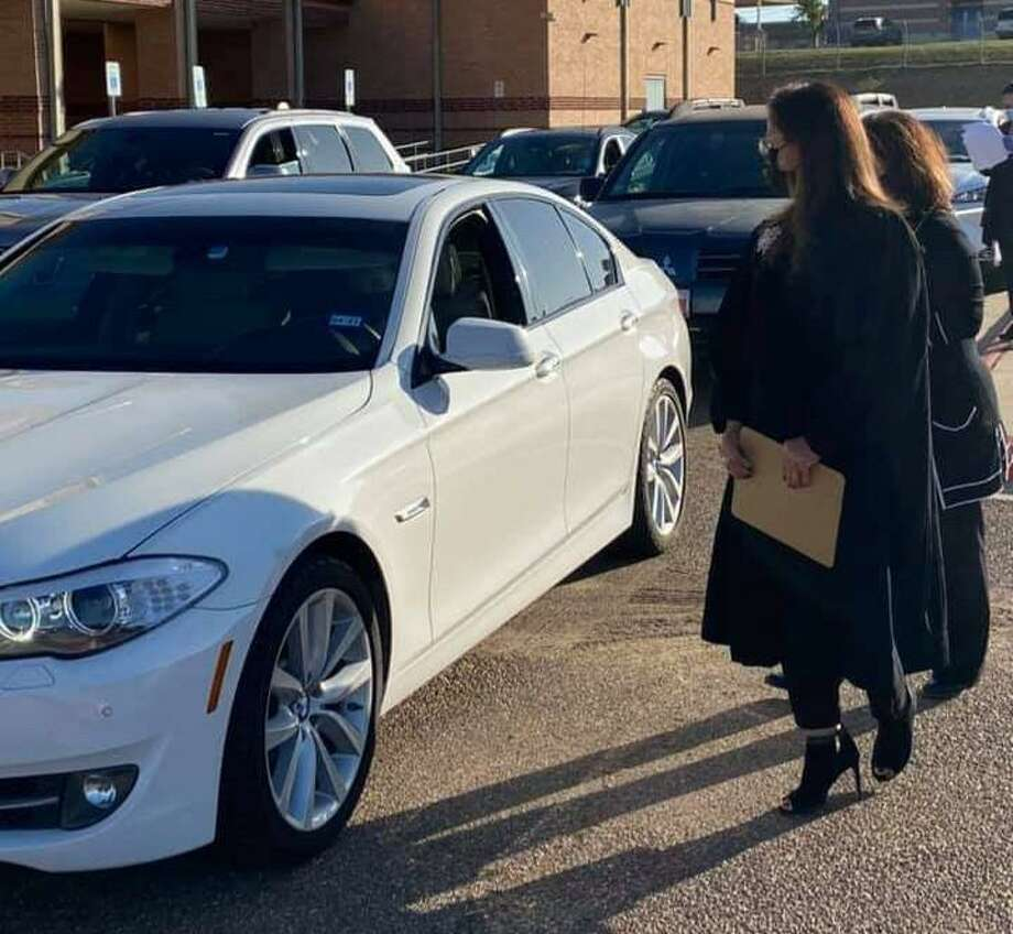341st District Court Judge Beckie Palomo conducts drive-thru jury qualifications at the UISD Student Activity Center. Photo: Courtesy Photo /341st District Court