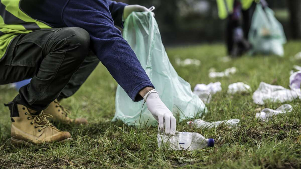 Durkan launches new initiative to clean Seattle parks